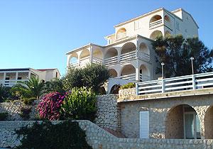 Dovolená Chorvatsko Novalja ostrov Pag,.Ubytování v 2, 4, 6 lůžkových apartmánech v apartamany MacAdams Chorvatsko, 7 - 14 dnu v